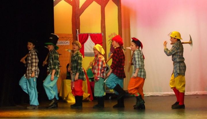 Snow White And The Seven Dwarfs 2011